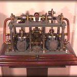Modello di macchina a vapore con cilindri oscillanti per piroscafo a ruote